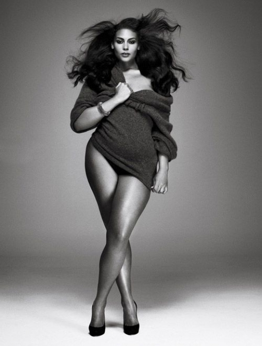black-white-sweater-plus-size-model.jpg