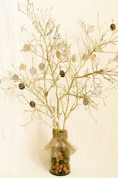 thankful-tree-with-paper-ornaments.jpg