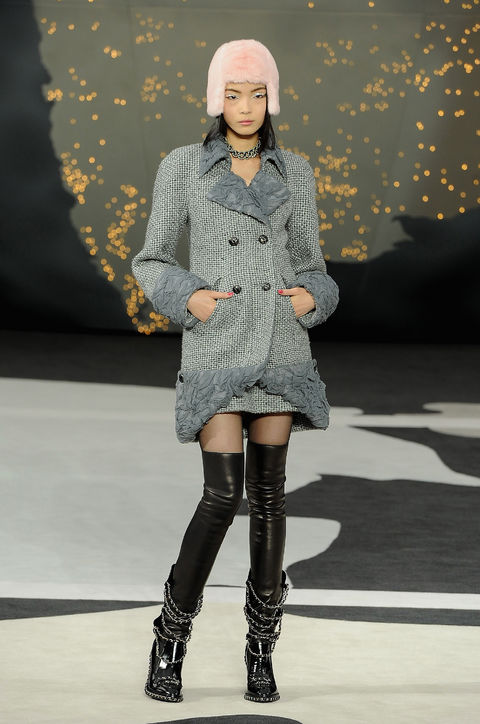 09-chanel-fall-2013-over-the-knee-boots-chain-link-h724.jpg