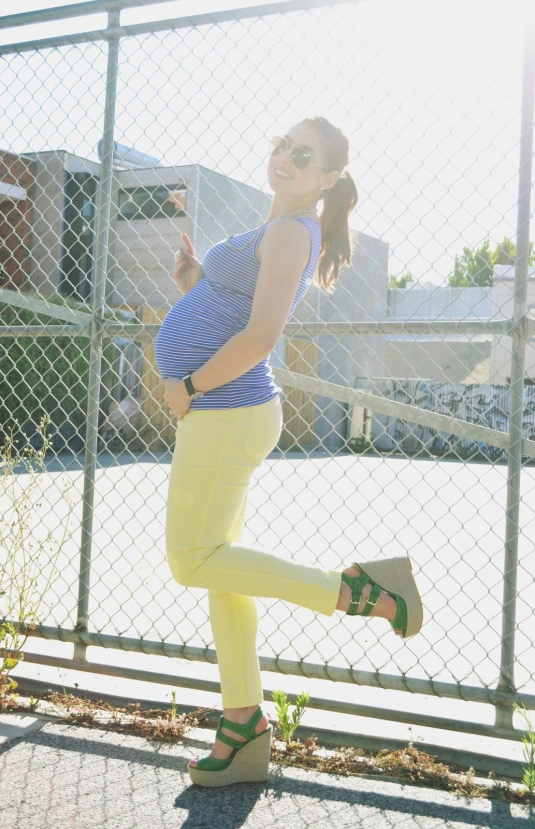 soon_maternity_lemon_capri_11.jpg