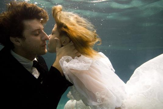 underwater-wedding-10.jpg