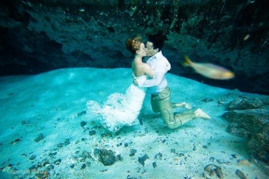 underwater-wedding-15.jpg