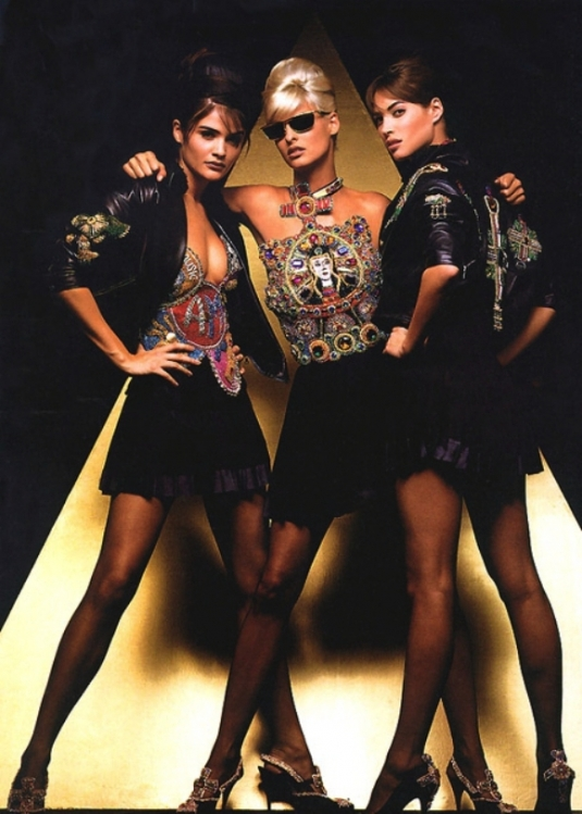 helena-linda-and-christy-for-versace-by-herb-ritts-1991.jpg
