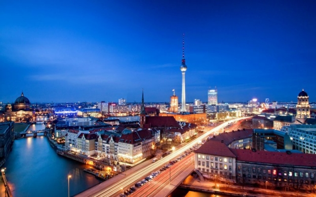 berlin_capital_city_of_germany-wide.jpg