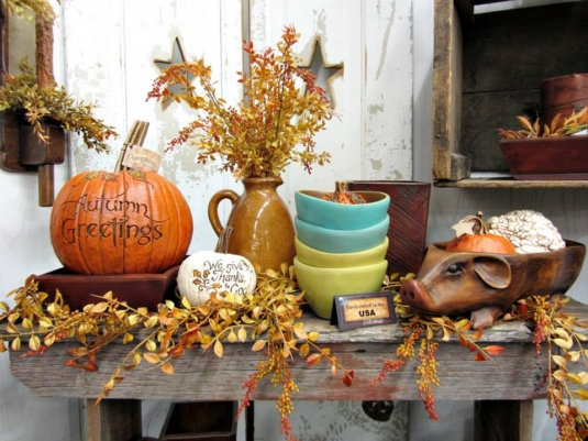 swiss-country_fall-decorations.jpg