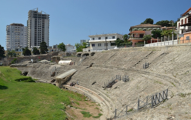 amphitheatre_of_durres_by_pudelek.jpg