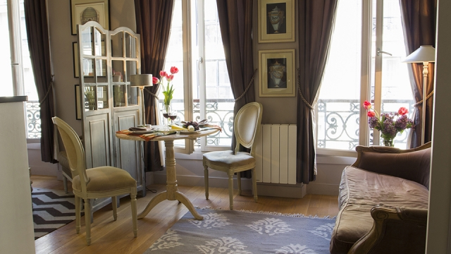 foot-paris-apartment_2.jpg