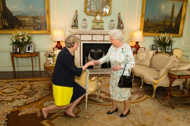 theresa-may-meets-queen-elizabeth-1024x682.jpg