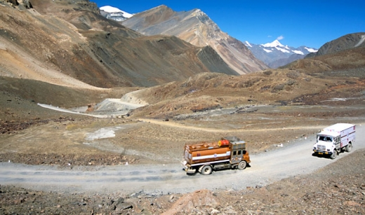 10-leh-manali-highway-india.jpg