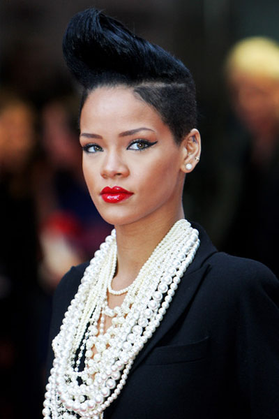 The Best Rihanna Short Blonde Hairstyles Pictures