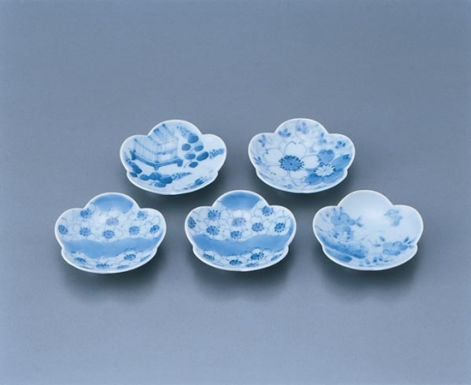 47_arita_imari_ware_five_chopstick_rests_in_plum-blossom_sha.jpg