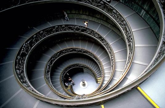 800px-vaticanmuseumstaircase.jpg