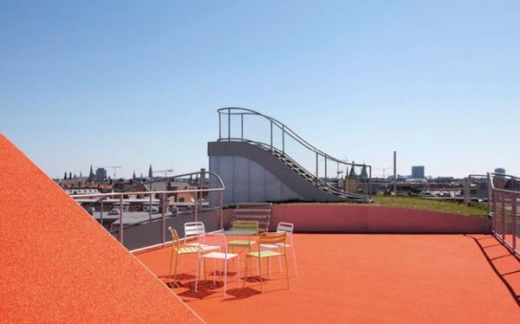 a_rooftop_playground_640_02.jpg