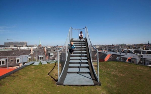 a_rooftop_playground_640_06.jpg
