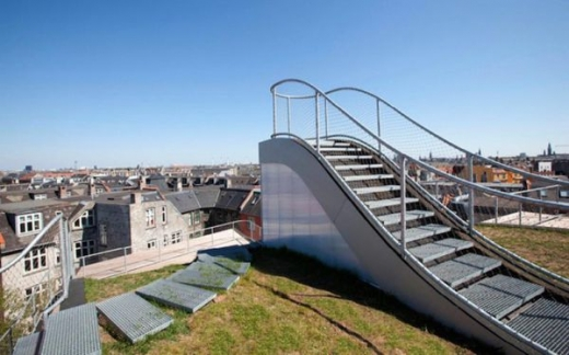 a_rooftop_playground_640_07.jpg