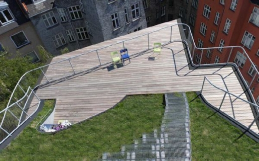 a_rooftop_playground_640_09.jpg