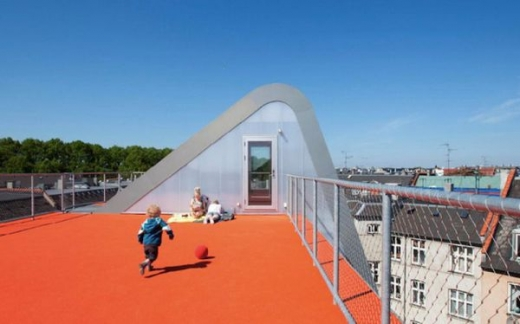 a_rooftop_playground_640_11.jpg