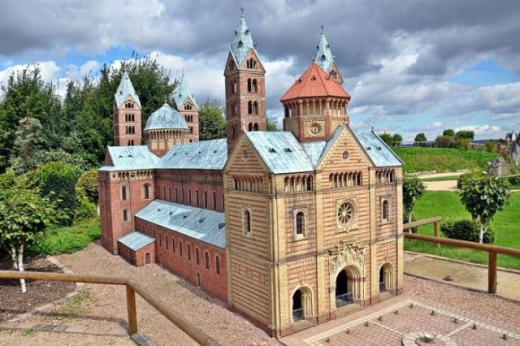 amazing_miniature_park_in_germany_640_15.jpg