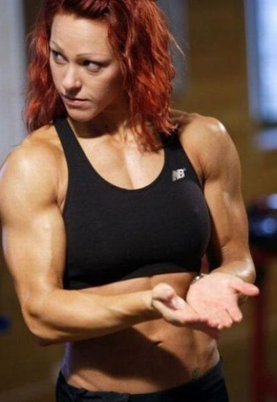 attractive_female_bodybuilders_flexing_640_02.jpg
