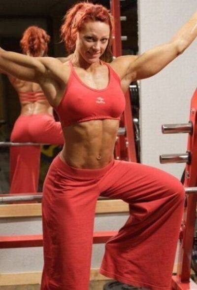 attractive_female_bodybuilders_flexing_640_04.jpg