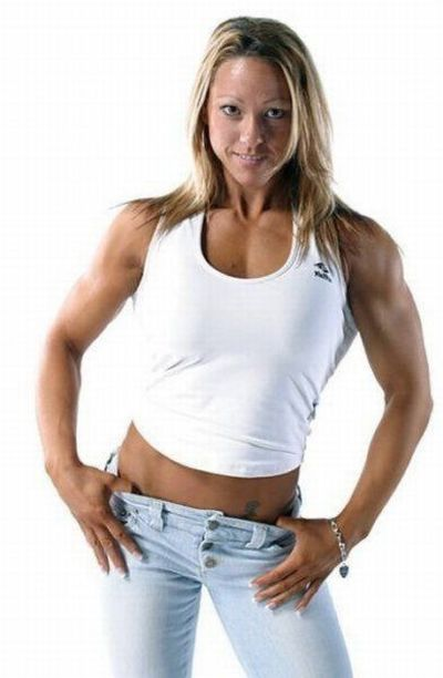 attractive_female_bodybuilders_flexing_640_05.jpg