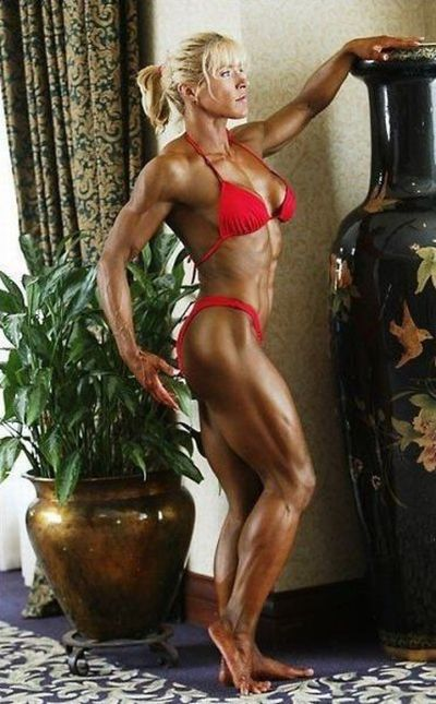 attractive_female_bodybuilders_flexing_640_31.jpg