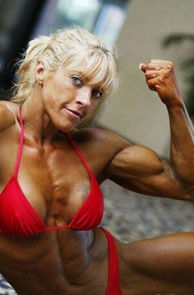attractive_female_bodybuilders_flexing_640_33.jpg
