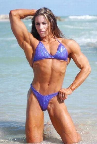 attractive_female_bodybuilders_flexing_640_38.jpg