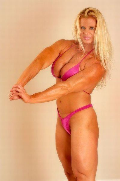 attractive_female_bodybuilders_flexing_640_52.jpg