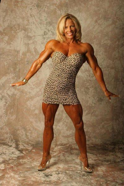 attractive_female_bodybuilders_flexing_640_54.jpg
