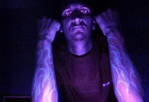 blacklight_tattoos_640_08.jpg
