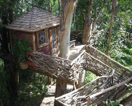 breathtaking_tree_houses_throughout_the_world_640_11.jpg