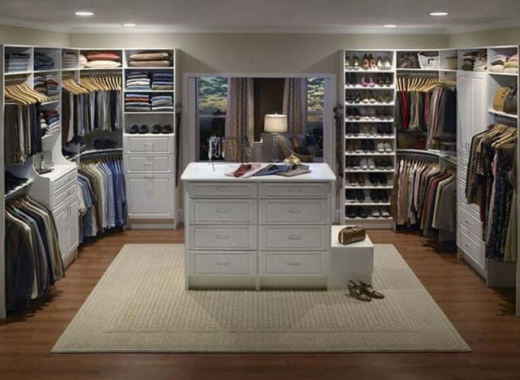 closets_that_are_really_neat_640_01.jpg