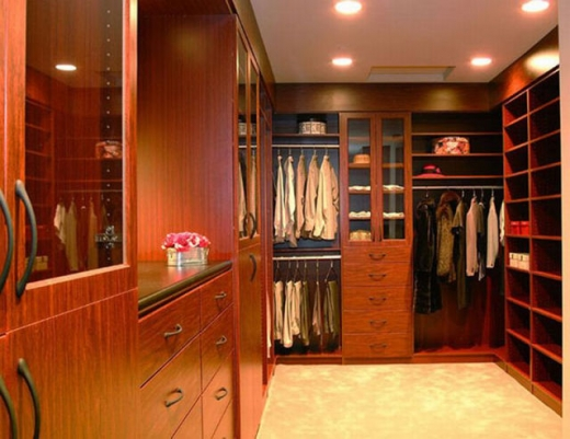 closets_that_are_really_neat_640_18.jpg