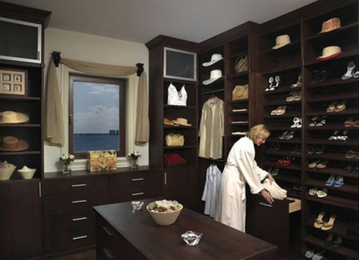 closets_that_are_really_neat_640_19.jpg