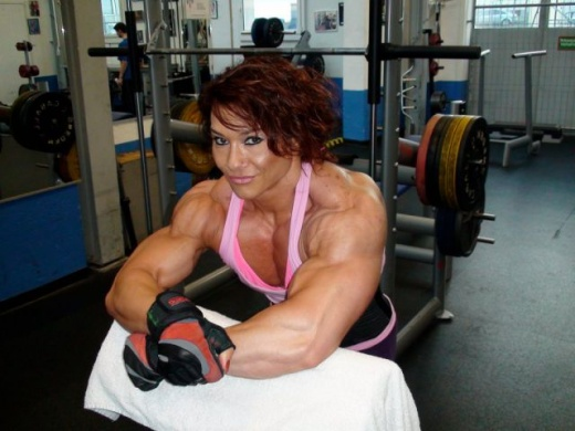 eyebulging_ripped_female_640_02.jpg