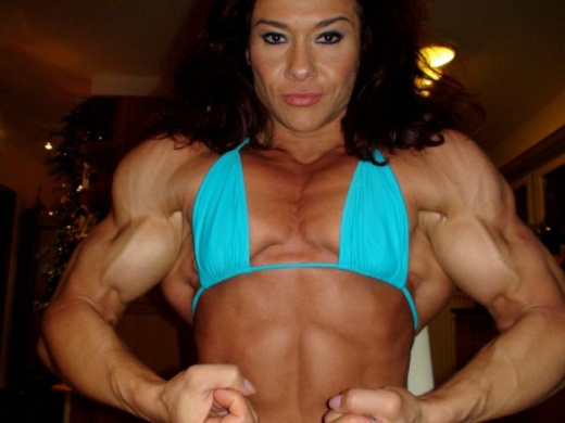 eyebulging_ripped_female_640_03.jpg