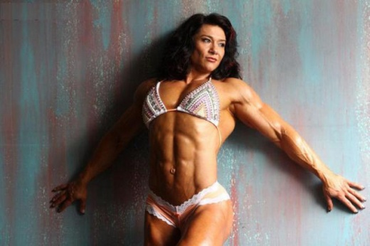 eyebulging_ripped_female_640_15.jpg