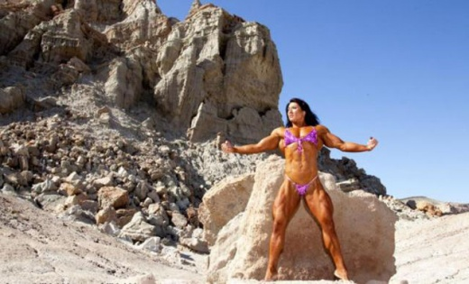 eyebulging_ripped_female_640_17.jpg