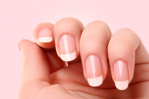 french-manicure.jpg