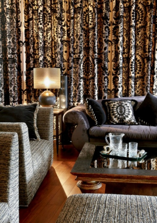 new-bride-apartment-with-luxurious-look-in-moscow-black-couch-588x833.jpg