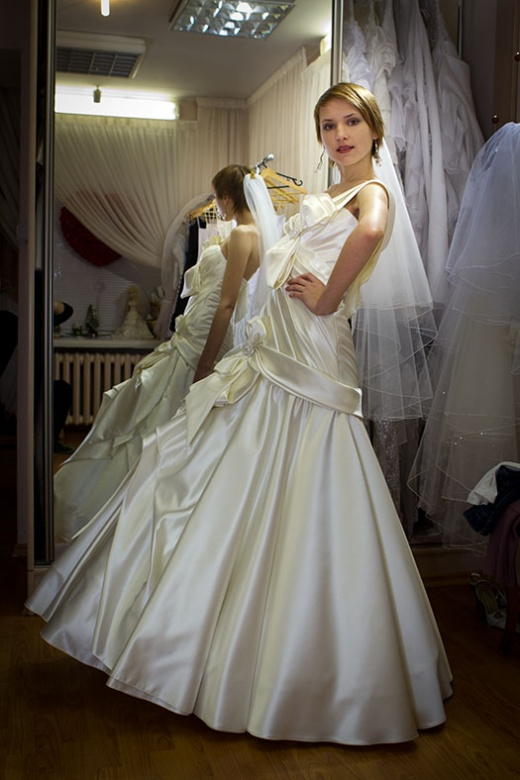 olya_behappy_gown_1_1.jpg.jpg