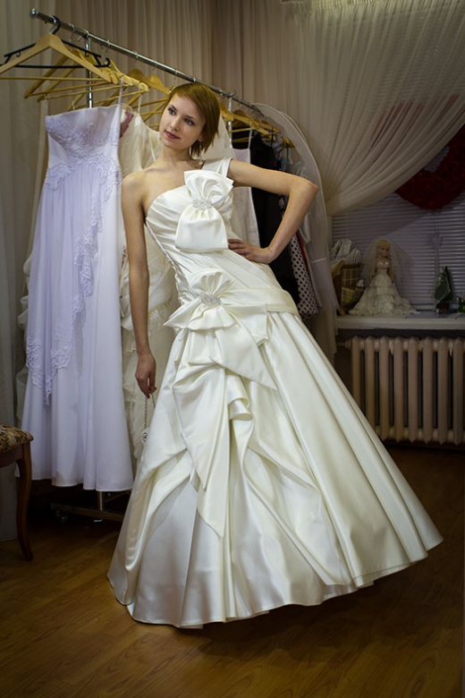 olya_behappy_gown_1_2.jpg.jpg