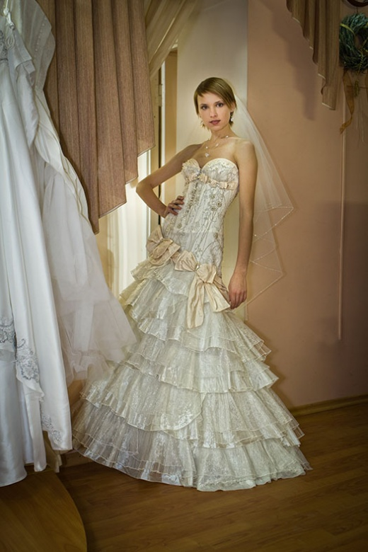 olya_behappy_gown_2_1.jpg.jpg