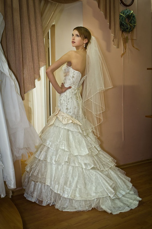 olya_behappy_gown_2_2.jpg.jpg