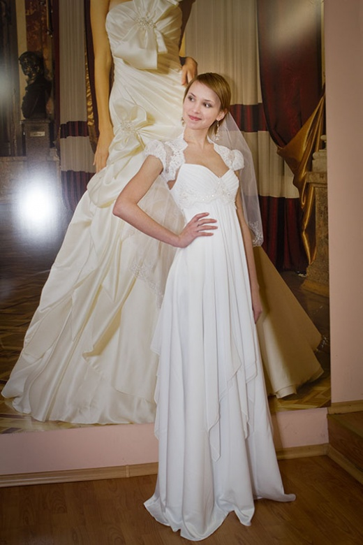 olya_behappy_gown_3_1.jpg.jpg