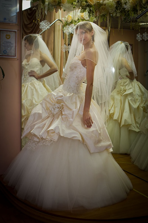 olya_behappy_gown_4_1.jpg.jpg