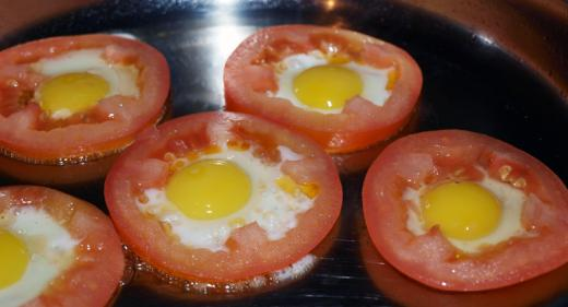 omelet_with_tomatoes_3.jpg