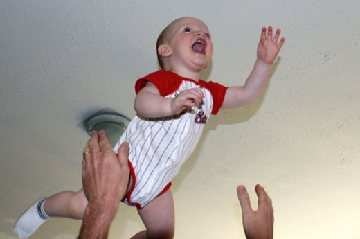 people_tossing_babies_640_26.jpg