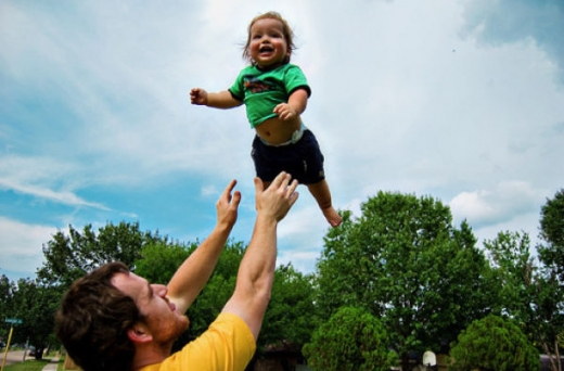 people_tossing_babies_640_37.jpg